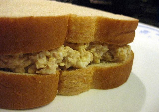chickpea-salad-sandwich-recipe1