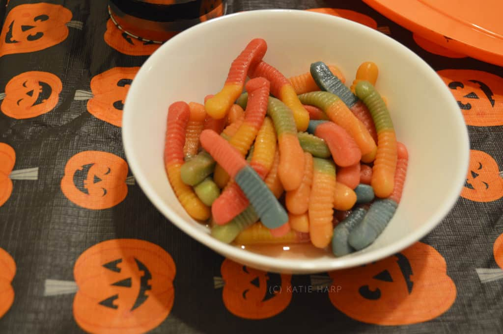How to Make Vodka Gummy Worms for Halloween - Tuxedo Cats and Coffee